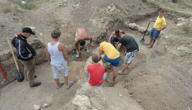 Ce ascund arheologii din Mangalia de vânătorii de comori - constructiiantice1-1347215618.jpg