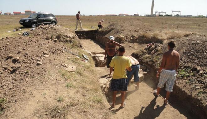 Ce ascund arheologii din Mangalia de vânătorii de comori - constructiiantice3-1347215645.jpg
