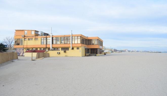 Foto: Construcţiile de pe plaja din Mamaia. Cine a vândut terenurile, cum s-au dat autorizaţiile? Avem liber la investiţii!