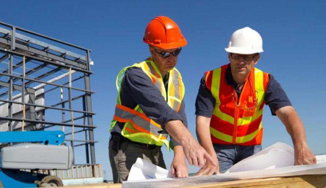 Foto: Constructorii constănțeni, luați la puricat de ITM