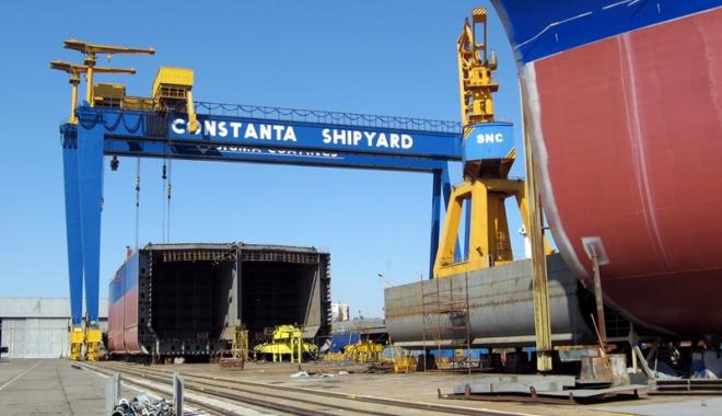 Foto: Constructorii navali români şi francezi se întâlnesc la Constanţa