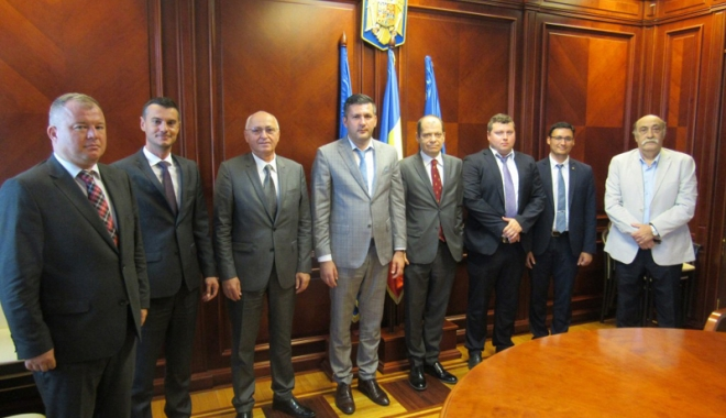 Foto: Consulii din Constanţa, întâlnire cu prefectul Ioan Albu