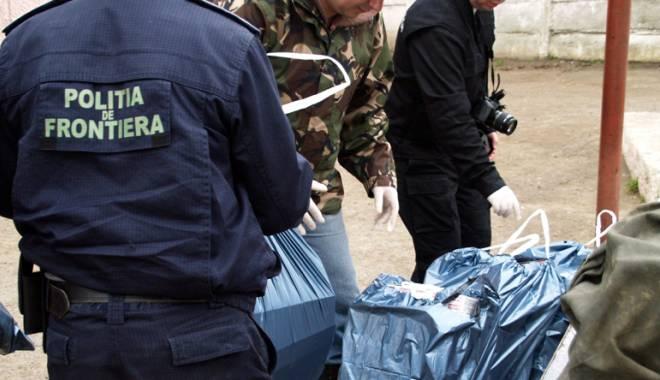 Foto: Containere cu chinezisme confiscate în portul Constanţa