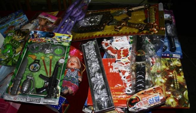Foto: Mii de jucării contrafăcute, confiscate în Portul Constanţa