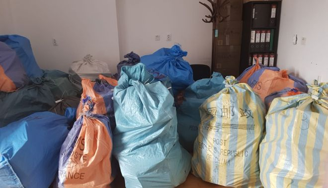 Foto: Contrabandă cu tutun prin intermediul Poștei Române