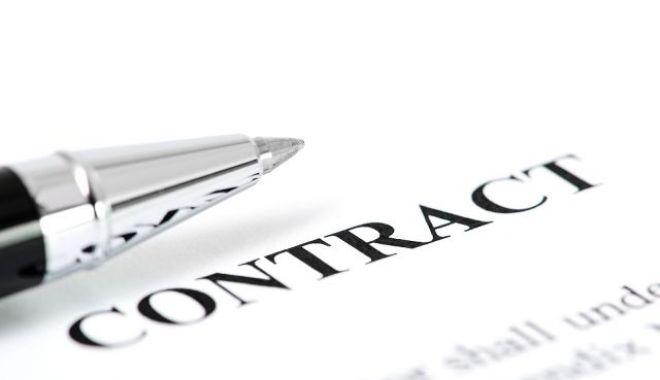 Foto: Jumătate dintre firme nu au modificat contractele individuale de muncă