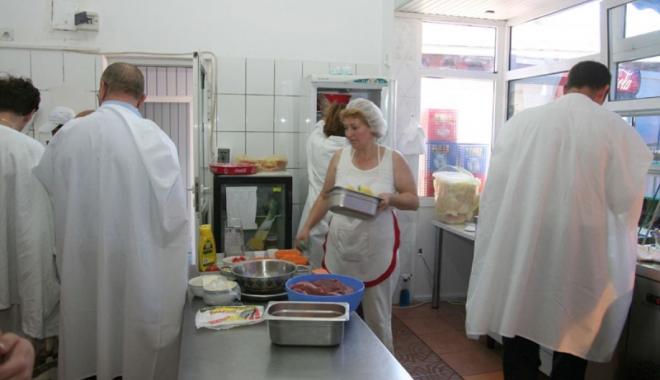 Foto: Unităţi de alimentaţie publică amendate  de Comandamentul Estival