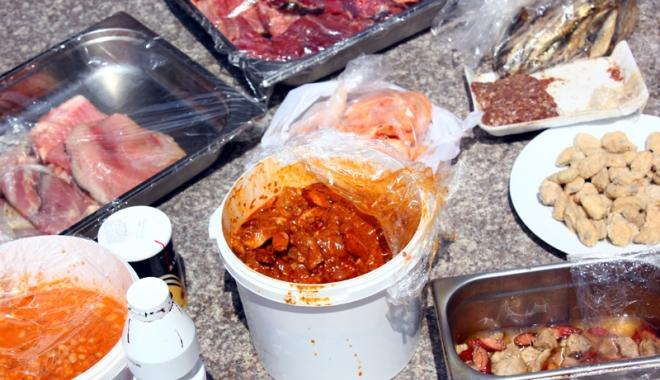 Foto: Controale la sânge în restaurante şi fast-food-uri. Tone de alimente confiscate şi distruse