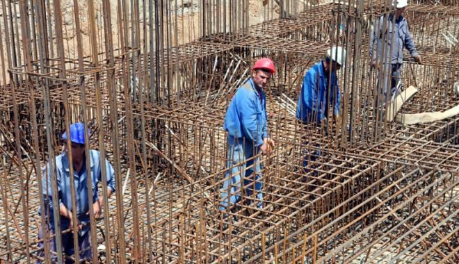 Foto: INS. Forţa de muncă plătită mai bine