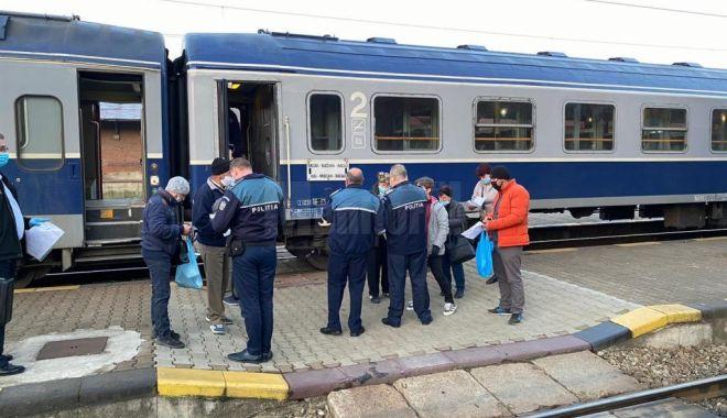 Descinderi în trenuri: polițiștii au găsit minori fugiți de acasă și cerșetori!