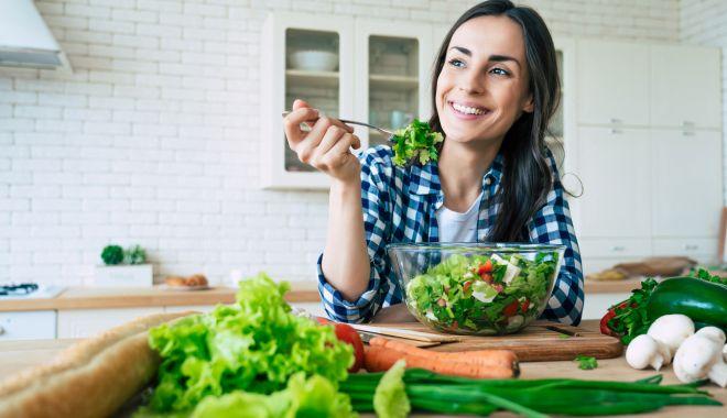 Sfatul medicului - Controlaţi nivelul zahărului din sânge prin alimentaţie - controlati-1623847598.jpg