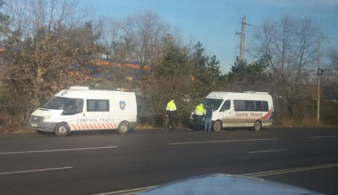 "Foto: Poliţiştii au ieşit la ""vânat"" microbuze!"