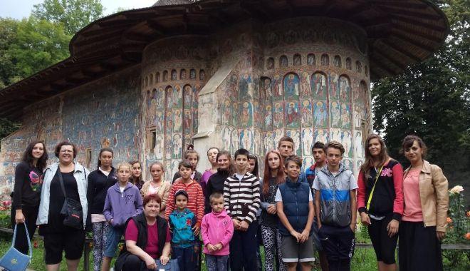 Foto: Tabere pentru mai mulţi copii din Constanţa, în Bucovina