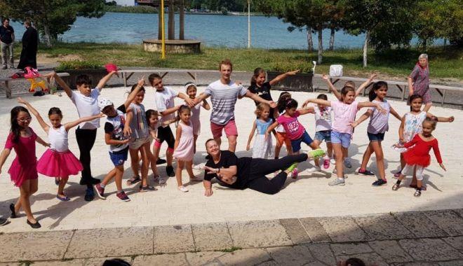 Foto: Copiii finalizează cursurile Şcolii de vară