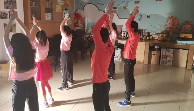"""Foto: Competiţie importantă pentru copiii de la Centrul de Plasament """"Delfinul"""", din Agigea"""