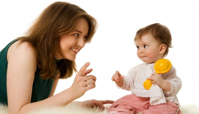 Foto: De ce este importantă interacționarea mamei cu copilul