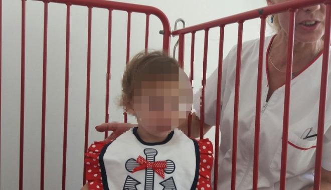 """Foto: Drama """"îngeraşilor""""! Abandonaţi de părinţi, în spital"""