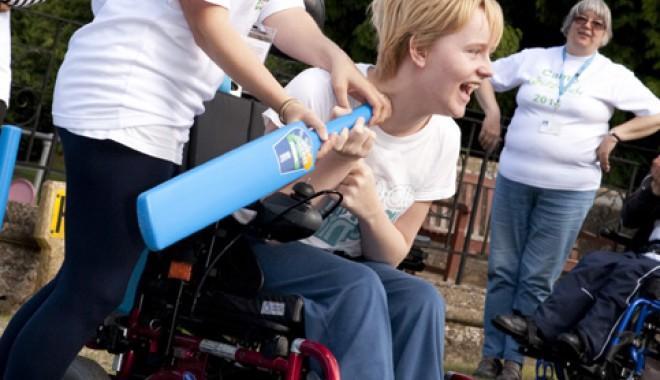 Copiii cu dizabilităţi din Năvodari, în tabără gratuită la munte