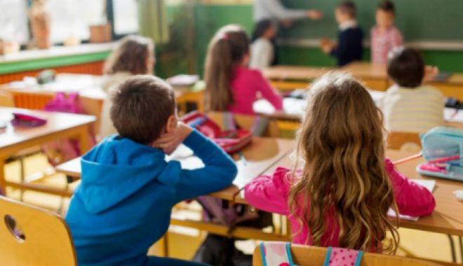 Foto: Elevii constănțeni vor învăța limba spaniolă cu un profesor străin