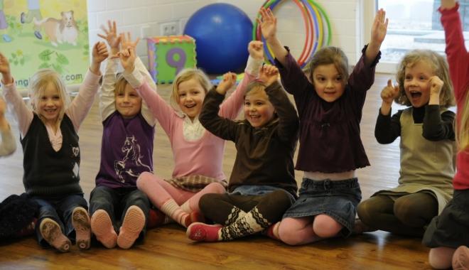 Copiii angajaţilor de la Chimpex Constanţa vor învăţa limba engleză - copiiichimpex-1471428862.jpg