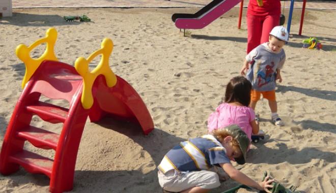 Foto: Copiii din centrele de plasament  din Constanţa, sărbătoriţi de 1 Iunie