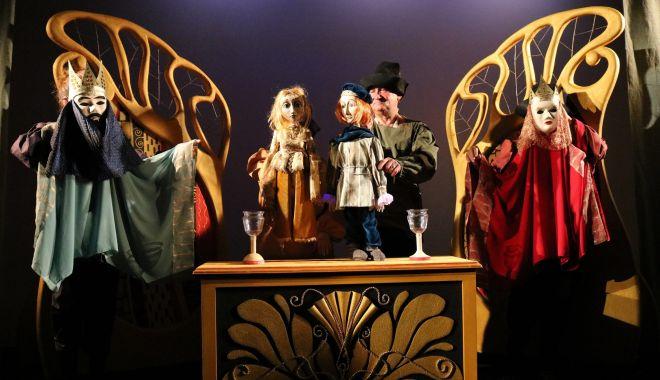 Foto: Copiii, invitați la spectacol. Cum se va termina povestea frumoasei Rapunzel?