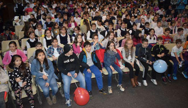 """Foto: Copiii sunt așteptați la Teatrul """"Căluțul de Mare"""""""