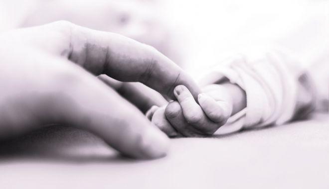 CAZ ŞOCANT! Un bebeluș a murit la trei zile de la naștere, după ce un medic a refuzat să îl consulte - copil-1550161022.jpg