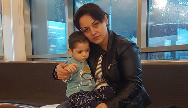 Haideți să ajutăm un copil să trăiască! Darius are nevoie de injecții cu celule stem - copilbolnav1-1520961754.jpg