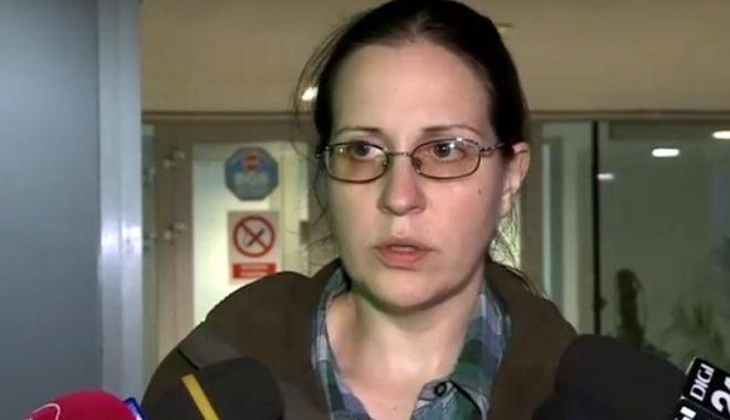 Foto: Mama copilului mort la Sanador, revoltată după decizia Colegiului Medicilor