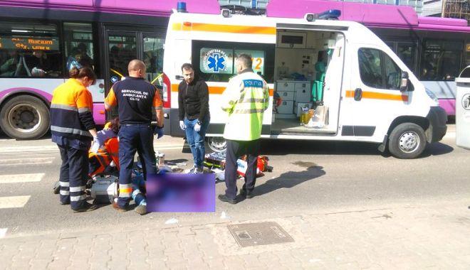 Foto: Copil surdomut, ucis de o ambulanță pe trecerea de pietoni!