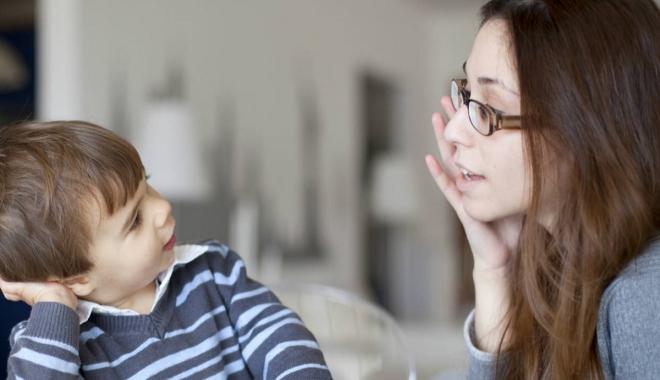 """Foto: """"Avem mare nevoie de specialişti în psihologia copilului şi a adolescentului, pentru a ne adapta rigorilor UE"""""""