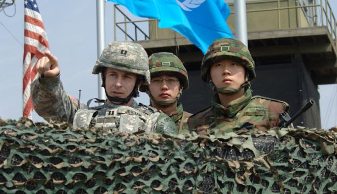 Foto: Coreea de Sud  şi SUA au încheiat exerciţiile  militare anuale