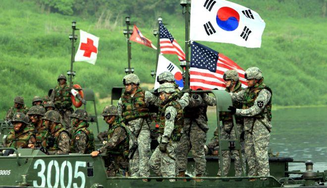 Foto: Coreea de Sud şi SUA suspendă exerciţiile militare comune din august