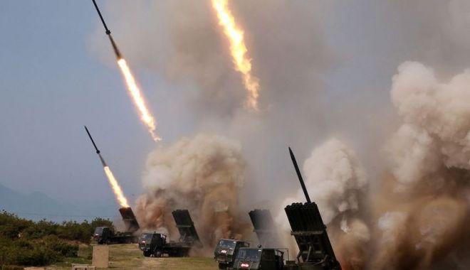 Foto: Coreea de Nord a lansat o serie de proiectile neidentificate