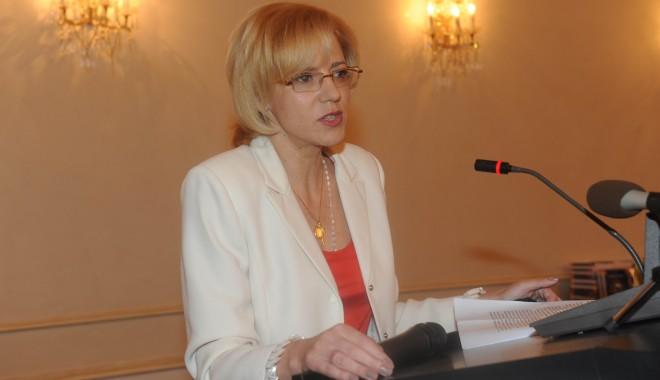 Foto: Corina Creţu cere cotă în Constituţie pentru reprezentarea femeilor în funcţii