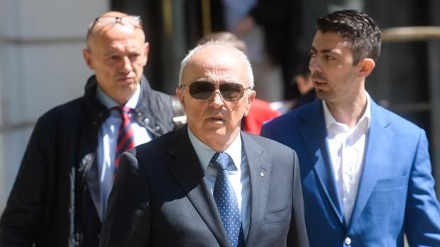 Foto: Decizie a Înaltei Curţi. Dosarul lui Mircea şi Vlad Cosma va fi rejudecat