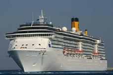"""Foto: """"Costa Mediterranea""""  face cinci escale în portul Constanţa"""