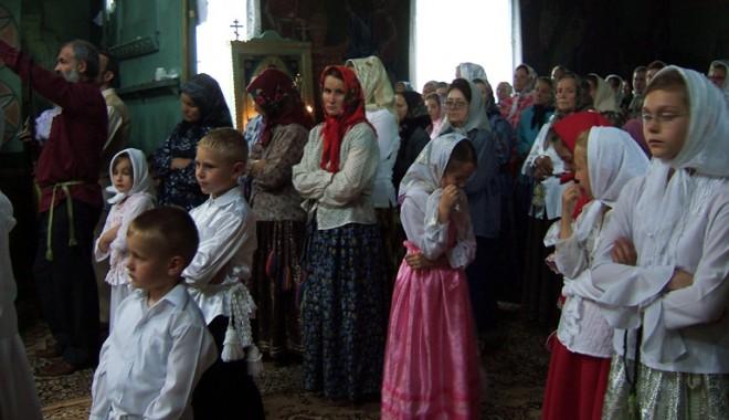 Ortodocșii pe rit vechi sărbătoresc astăzi Crăciunul - craciun-1325775962.jpg
