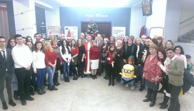 """Foto: Sfânta Sărbătoare a Crăciunului la Universitatea """"Andrei Şaguna"""""""