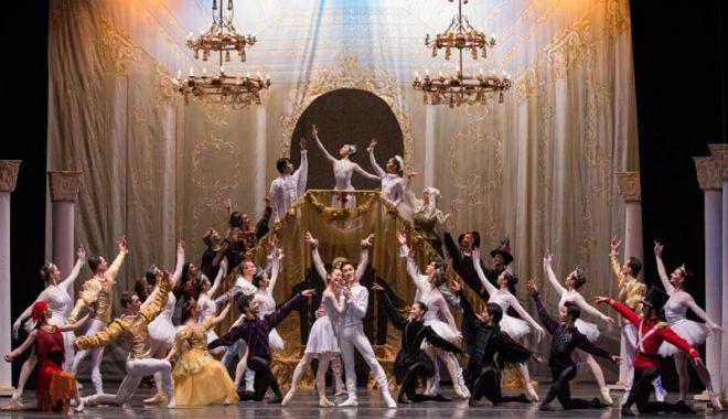 """Foto: """"Crăiasa zăpezii"""" şi """"Nabucco"""", la Teatrul """"Oleg Danovski"""""""