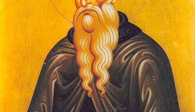 Credincioşii  îl sărbătoresc  pe Sfântul Teodosie - credinciosii-1547137686.jpg
