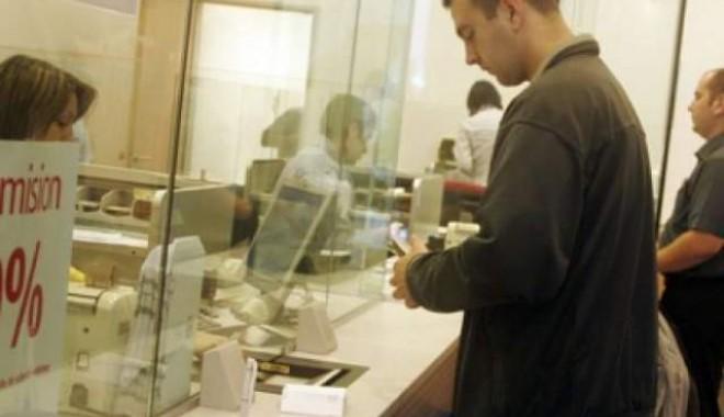 Foto: Restanţele la credite au crescut în septembrie cu 2,4%