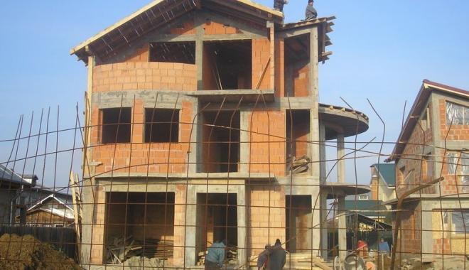 Foto: Creşte numărul autorizaţiilor pentru construcţia locuinţelor