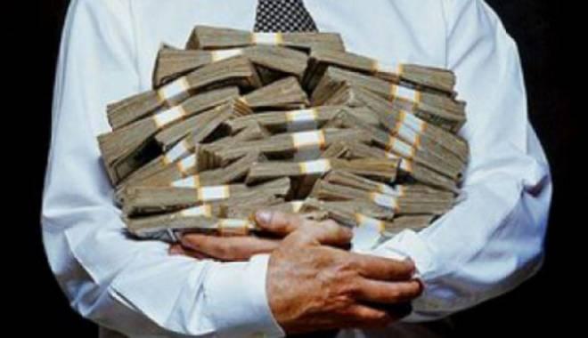 Foto: Creştere semnificativă a economilor în bănci