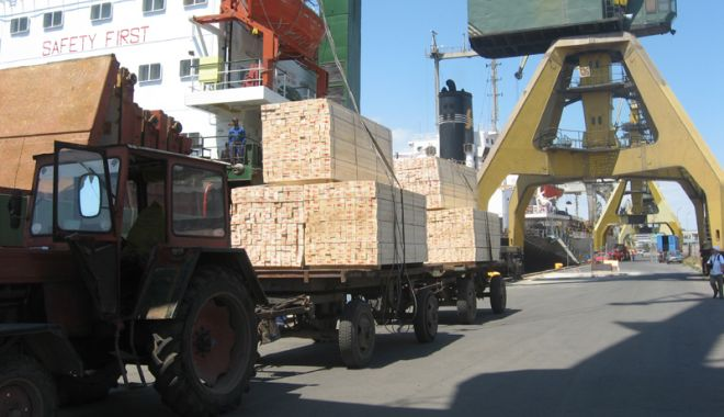 Foto: Creștere spectaculoasă  a traficului de mărfuri în porturile Constanța, Midia și Mangalia
