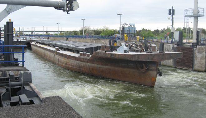 Foto: Creștere spectaculoasă a traficului de mărfuri pe canalele navigabile