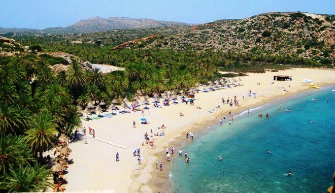 Foto: Turistă din România CONFIRMATĂ CU CORONAVIRUS în insula Creta
