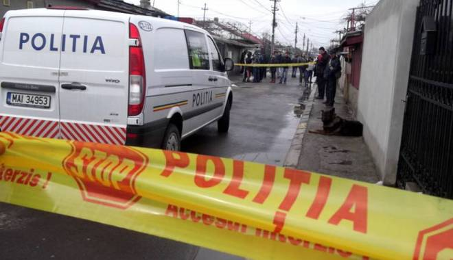 Foto: CRIM� CU S�NGE RECE LA CONSTAN�A / B�rbatul care �i-a �njunghiat mortal fosta iubit� a fost arestat preventiv