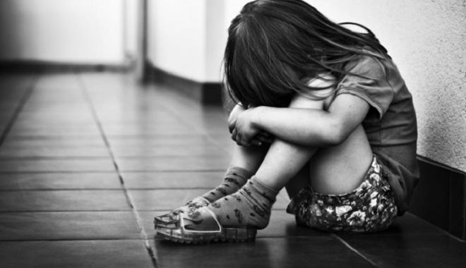 PEDOFIL CRIMINAL ÎN LIBERTATE! O fetiţă de cinci ani, VIOLATĂ ŞI UCISĂ, la Baia Mare